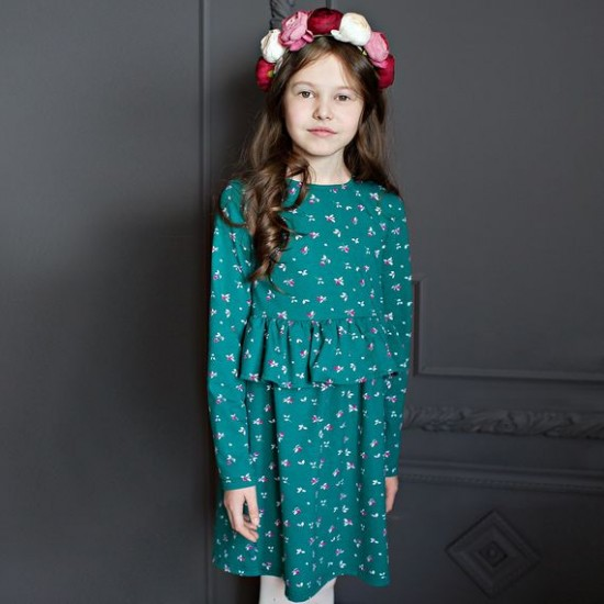 Kleita Maija zaļa ar savirmot